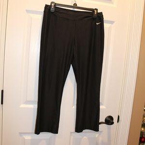 Nike Fit Dry Capri Crop Workout Pants M 8-10